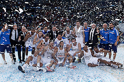 05.10.2013, Fernando Buesa Arena, Vitoria Gazteiz, ESP, Supercopa ACB, FC Barcelona vs Real Madrid, Finale, im Bild Real Madrid's team celebrates the victory // during the Supercopa ACB Final match between Barcelona FC vs Real Madrid at the Fernando Buesa Arena in Vitoria Gazteiz, Spain on 2013/10/05. EXPA Pictures © 2013, PhotoCredit: EXPA/ Alterphotos/ Acero<br /> <br /> ***** ATTENTION - OUT OF ESP and SUI *****