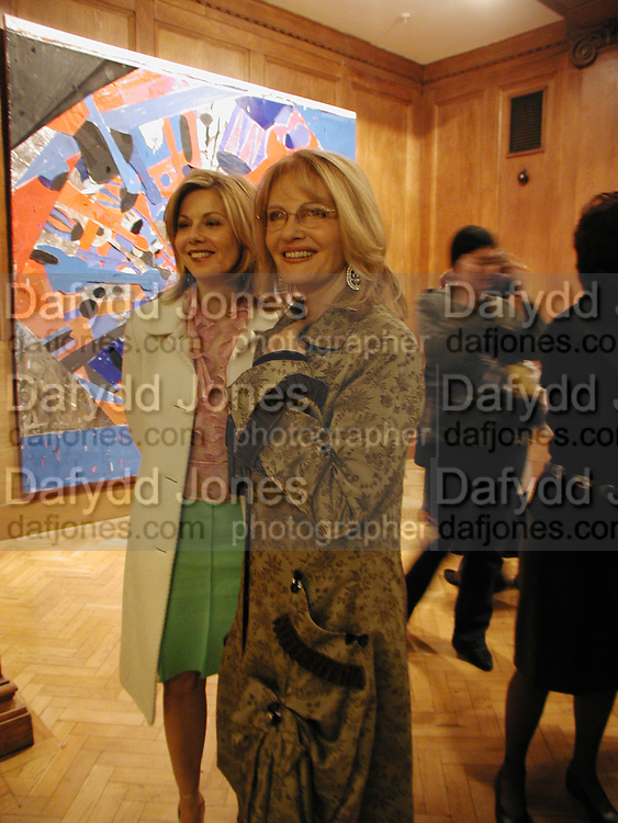 Glynnis Barber and Pat Booth, 1st Anniversary party at the Saatchi gallery for the private view of Young Blood. 23 March 2004. ONE TIME USE ONLY - DO NOT ARCHIVE  © Copyright Photograph by Dafydd Jones 66 Stockwell Park Rd. London SW9 0DA Tel 020 7733 0108 www.dafjones.com