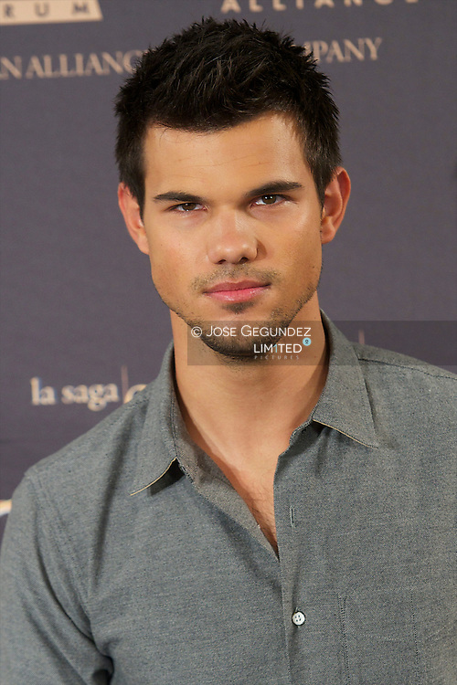Taylor Lautner attends the pohtocall of 'The Twilight Saga: Breaking Dawn - Part 2' at Villamagna Hotel on November 15, 2012 in Madrid, Spain
