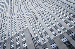 THEMENBILD - Das Rockefeller Center ist ein Gebaeudekomplex aus 19 Geschäftsgebäuden zwischen der 48th und der 51st Street in New York City. Beauftragt von der Rockefeller Familie steht es in Midtown Manhattan und nimmt das Gebiet zwischen Fifth Avenue und Sixth Avenue ein, im Bild ist die Sued Seite des 30 Rockefeller Center, Aufgenommen am 08. August 2016 // Rockefeller Center is a complex of 19 commercial buildings between 48th and 51st Streets in New York City. Commissioned by the Rockefeller family, it is located in the center of Midtown Manhattan, spanning the area between Fifth Avenue and Sixth Avenue. This picture shows the south side of the 30 Rockefeller Center, New York City, United States on 2016/08/08. EXPA Pictures © 2016, PhotoCredit: EXPA/ Sebastian Pucher