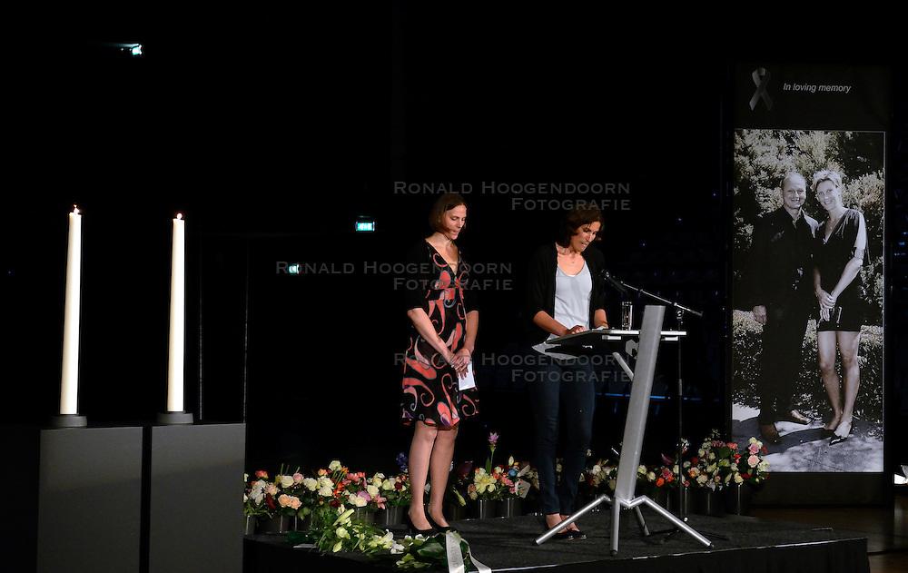 15-06-2013 ALGEMEEN: AFSCHEIDSBIJEENKOMST VISSER EN SEVEREIN: ALMERE<br /> Vandaag was de gelegenheid om afscheid te nemen van Ingrid Visser en Lodewijk Severein. Iedereen die zich verbonden voelde kon naar de openbare herdenking komen in het Topsportcentrum Almere / Chaine Staelens en Francien Huurman<br /> &copy;2013-FotoHoogendoorn.nl