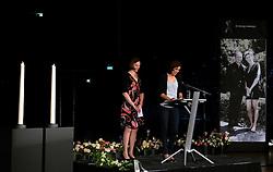 15-06-2013 ALGEMEEN: AFSCHEIDSBIJEENKOMST VISSER EN SEVEREIN: ALMERE<br /> Vandaag was de gelegenheid om afscheid te nemen van Ingrid Visser en Lodewijk Severein. Iedereen die zich verbonden voelde kon naar de openbare herdenking komen in het Topsportcentrum Almere / Chaine Staelens en Francien Huurman<br /> ©2013-FotoHoogendoorn.nl