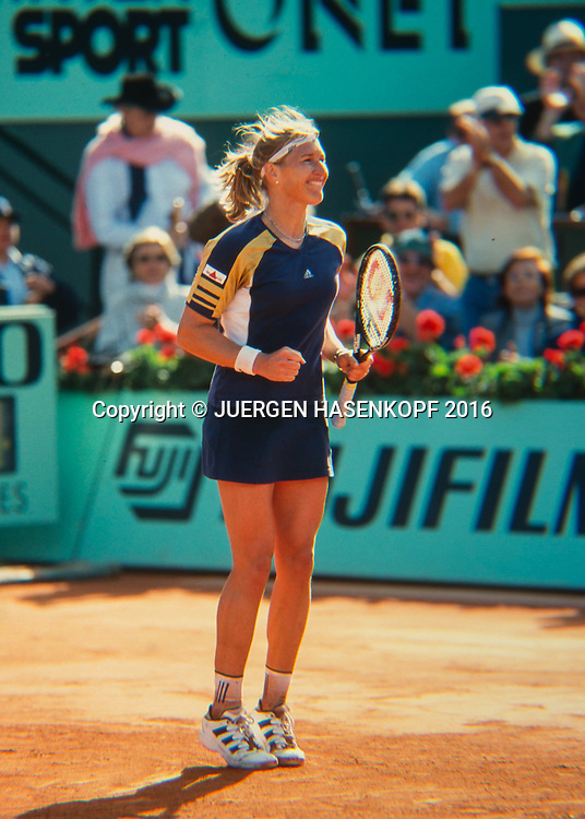 Steffi Graf (GER) jubelt nach ihrem Sieg,Jubel,Freude,Emotion, Roland Garros, French Open 1999<br />