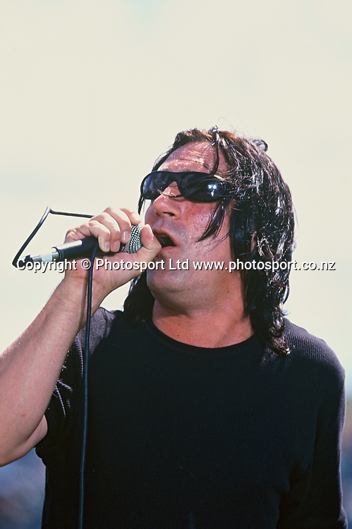 Singer Jordan Luck of the New Zealand rock band The Exponents performs during a concert in 2001.<br /> Copyright photo: www.photosport.co.nz