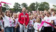 AMSTELVEEN -  Amsterdam voorzitter Marc Staal met Ellen Hoog en Sophie Polkamp, openen voor A'dam het vernieuwde Wagener  Stadion, tijdens Amsterdam-Tilburg, competitie Hoofdklasse hockey heren   (2017-2018) . COPYRIGHT KOEN SUYK