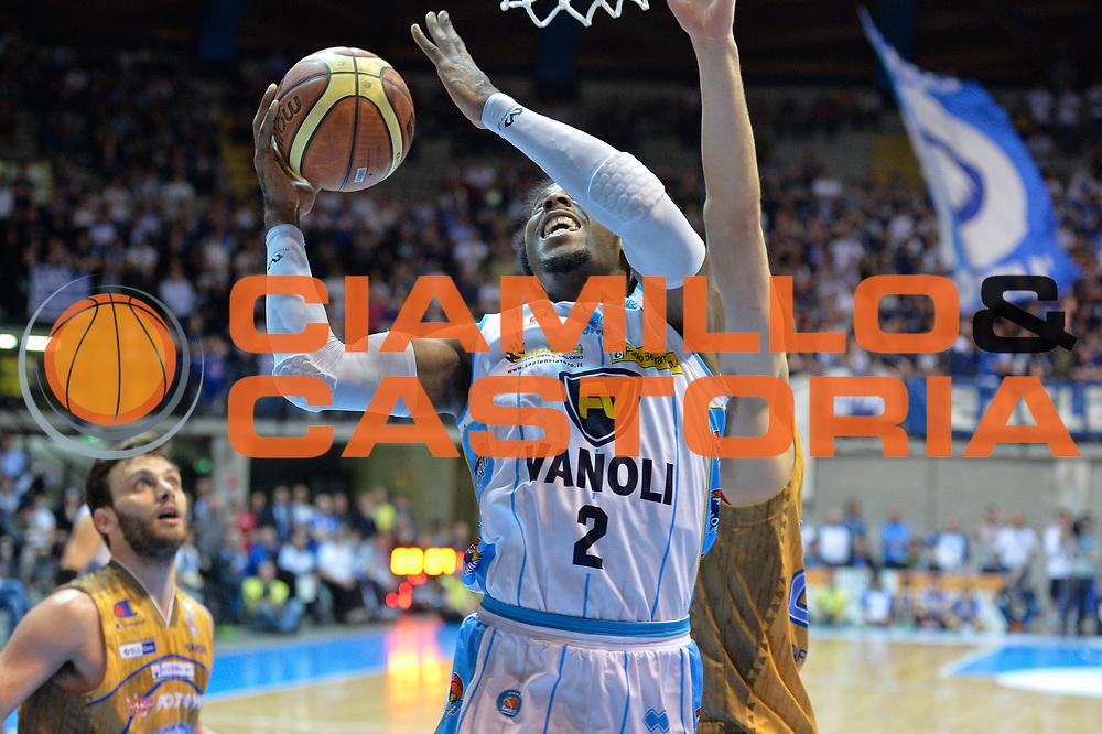 DESCRIZIONE : Desio Lega A 2014-15 <br /> Acqua Vitasnella Cant&ugrave; vs Vagoli Basket Cremona<br /> GIOCATORE : Ed Daniel<br /> CATEGORIA : Tiro<br /> SQUADRA : Vagoli Basket Cremona<br /> EVENTO : Campionato Lega A 2014-2015 GARA :Acqua Vitasnella Cant&ugrave; vs Vagoli Basket Cremona<br /> DATA : 20/04/2015 <br /> SPORT : Pallacanestro <br /> AUTORE : Agenzia Ciamillo-Castoria/IvanMancini<br /> Galleria : Lega Basket A 2014-2015 Fotonotizia : Desio Lega A 2014-15 Acqua Vitasnella Cant&ugrave; vs Vagoli Basket Cremona<br /> Predefinita: