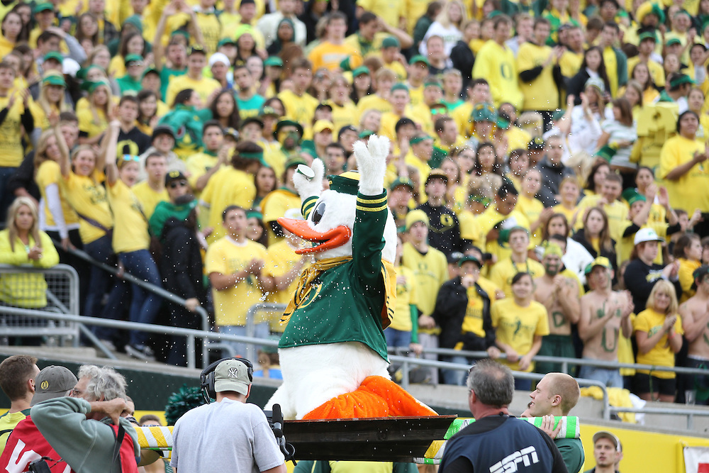 EUGENE, OR - NOVEMBER 6:  The Duck, mascot of the Oregon Ducks celebrates during the game against the Washington Huskies at Autzen Stadium on November 6, 2010 in Eugene, Oregon. The Ducks defeated the Huskies 53-16.   (Photo by Tom Hauck) Player: Duck