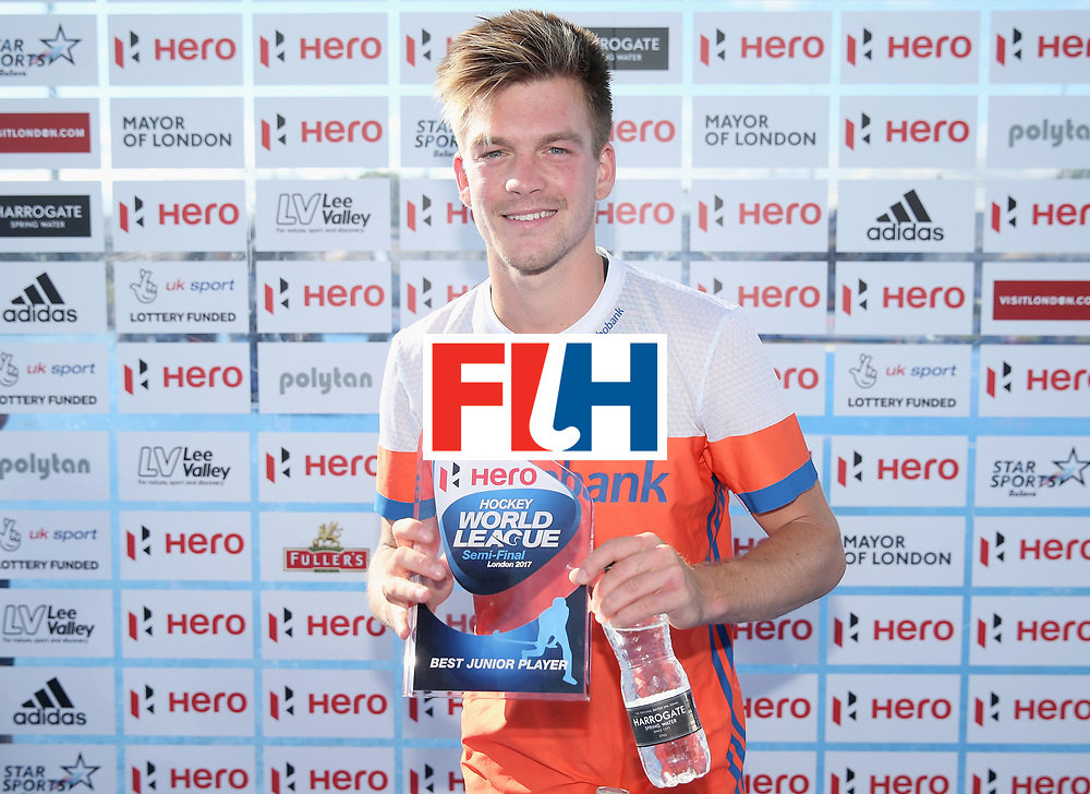 LONDON, ENGLAND - JUNE 25:  Thierry Brinkman of the Netherlands poses with his Best Junior Player award after the final match between Argentina and the Netherlands on day nine of the Hero Hockey World League Semi-Final at Lee Valley Hockey and Tennis Centre on June 25, 2017 in London, England.  (Photo by Alex Morton/Getty Images)