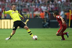 04.05.2013, Signal Iduna Park, Dortmund, GER, 1. FBL, Borussia Dortmund vs FC Bayern Muenchen, 32. Runde, im Bild, Julian SCHIEBER (Borussia Dortmund - BVB - 23) - RAFINHA (FC Bayern Muenchen - 13) // during the German Bundesliga 32th round match between Borussia Dortmund and FC Bayern Munich at the Signal Iduna Park, Dortmund, Germany on 2013/05/04. EXPA Pictures © 2013, PhotoCredit: EXPA/ Eibner/ Gerry Schmit..***** ATTENTION - OUT OF GER *****