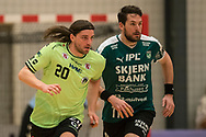 HÅNDBOLD: Jesper Dahl (Nordsjælland) og Jonathan Stenbäcken (Skjern) under kampen i 888-Ligaen mellem Nordsjælland Håndbold og Skjern Håndbold den 7. marts 2018 i Helsinge Hallen. Foto: Claus Birch.