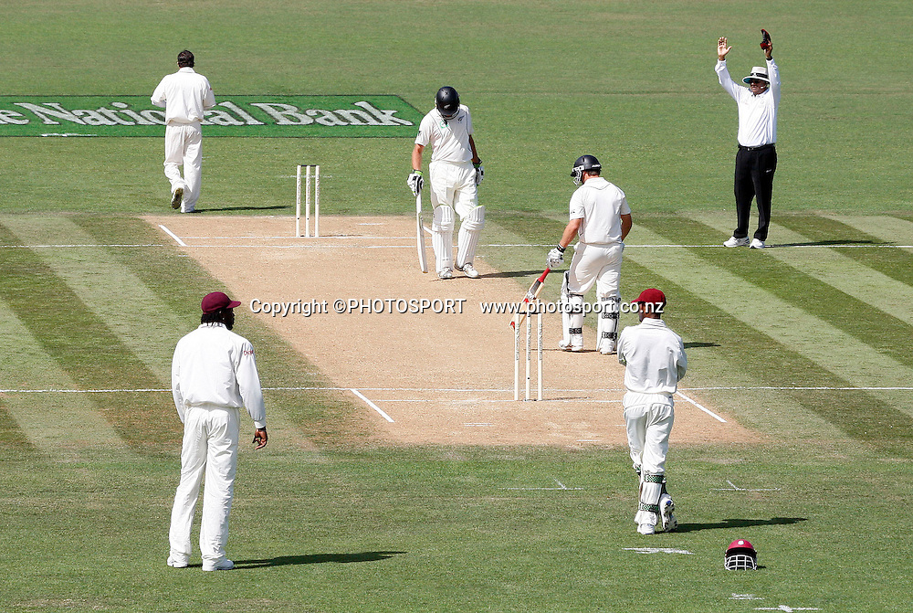 Umpire Ameish Saheba signalls a six by Daniel Flynn during play on day 2 of the second cricket test at McLean Park in Napier. National Bank Test Series, New Zealand v West Indies, Saturday 20 December 2008. Photo: Andrew Cornaga/PHOTOSPORT