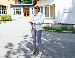 06.05.2018, Innsbruck, AUT, Bürgermeisterstichwahl Innsbruck, Stimmabgabe, im Bild Christine Oppitz-Plörer (FI) // during the mayoral stitch election in Innsbruck, Austria on 2018/05/06. EXPA Pictures © 2018, PhotoCredit: EXPA/ Eibner-Pressefoto/ Johann Groder<br /> <br /> *****ATTENTION - OUT of GER*****