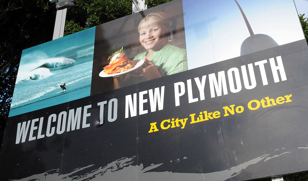 Welcome sign, New Plymouth, New Zealand, Thursday, June 10, 2010. Credit:SNPA / Ross Setford