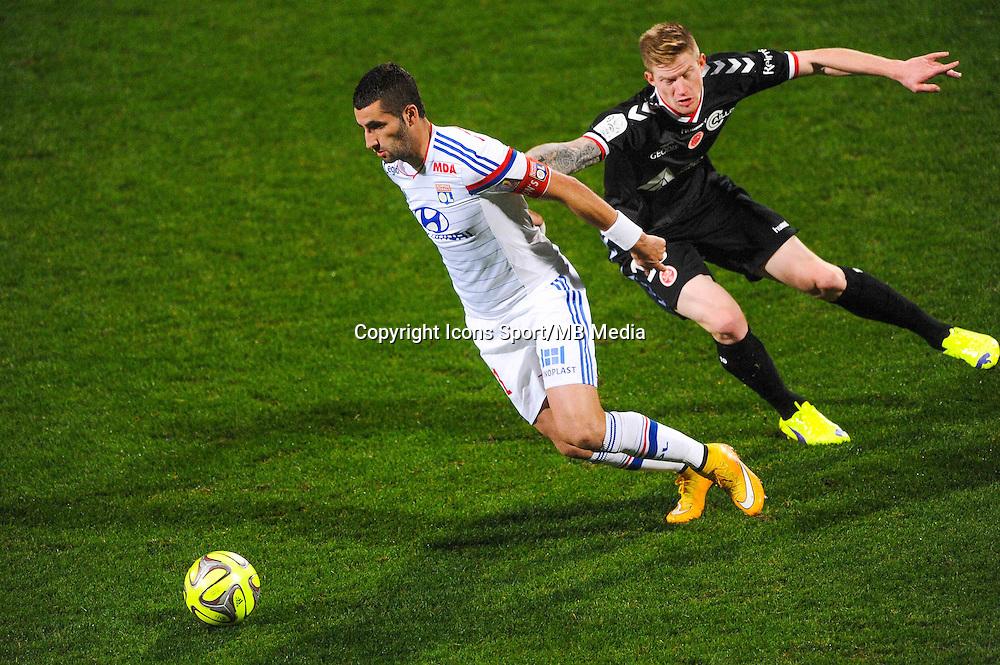 Maxime GONALONS / Gaetan CHARBONNIER  - 04.12.2014 - Lyon / Reims - 16eme journee de Ligue 1  <br /> Photo : Jean Paul Thomas / Icon Sport