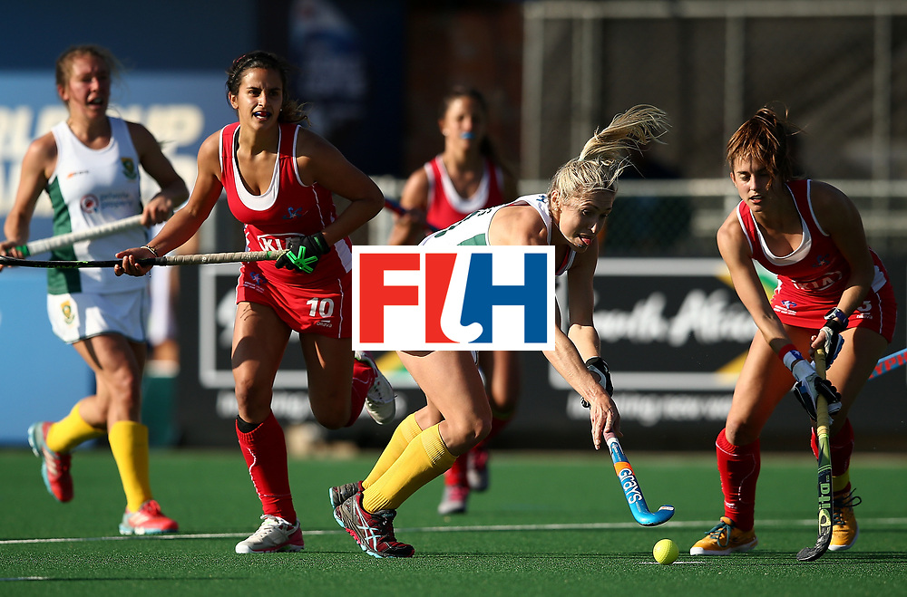 JOHANNESBURG, SOUTH AFRICA - JULY 14:  Shelley Jones of South Africa controls the ball from Manuela Urroz of Chile during day 4 of the FIH Hockey World League Semi Finals Pool B match between Chile and South Africa at Wits University on July 14, 2017 in Johannesburg, South Africa.  (Photo by Jan Kruger/Getty Images for FIH)
