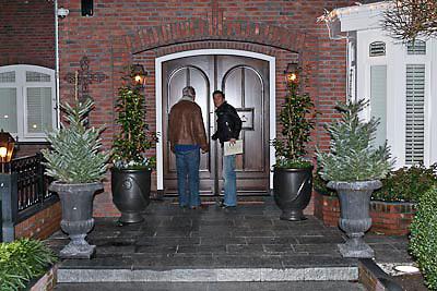 NLD/Volendam/20081221 - Housewarming feest Jan Smit en partner Yolanthe Cabau van Kasbergen, jan Smit komt thuis van een optreden