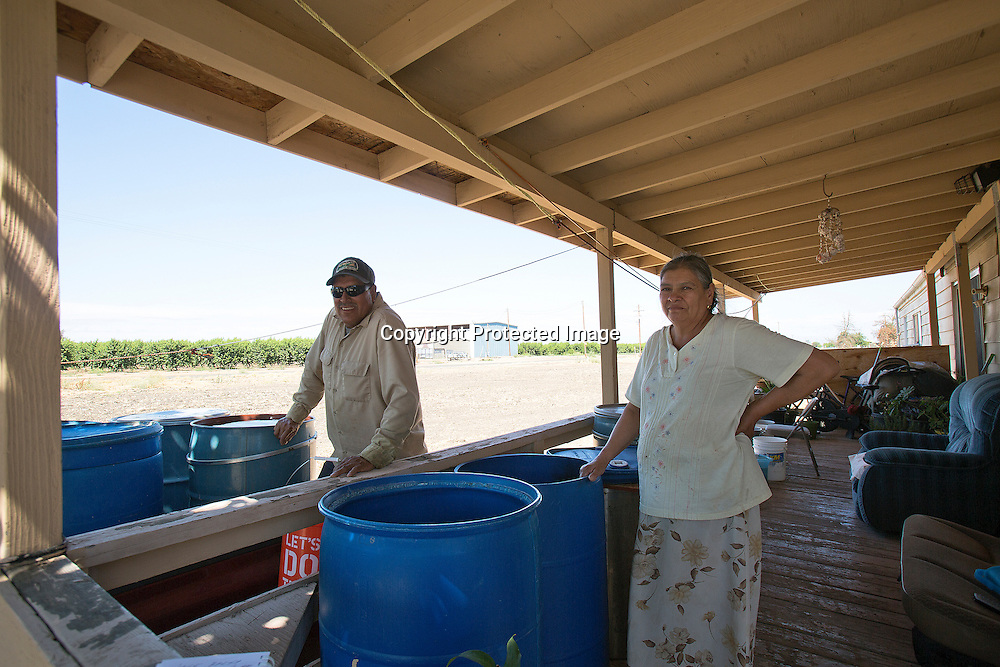 Eliazar Baera lives in the city of Le Grand in Merced county, Northern California and for the last three months her property well  dried out. Every three days her brother-in-law brings water for her. She is saving money to drill another well.