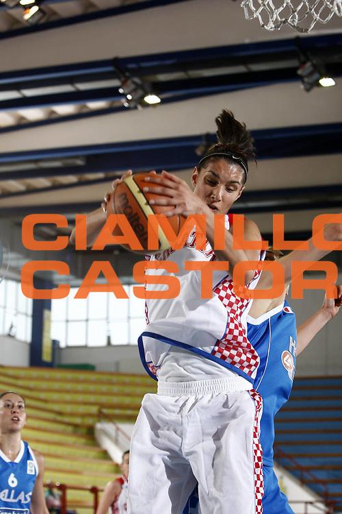 DESCRIZIONE : Porto San Giorgio Torneo Internazionale Basket Femminile Croazia Grecia<br /> GIOCATORE : Ivona Matic<br /> SQUADRA : Croazia<br /> EVENTO : Porto San Giorgio Torneo Internazionale Basket Femminile<br /> GARA : Croazia Grecia<br /> DATA : 29/05/2009 <br /> CATEGORIA : rimbalzo<br /> SPORT : Pallacanestro <br /> AUTORE : Agenzia Ciamillo-Castoria/E.Castoria