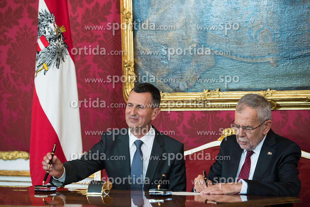 "03.06.2019, Präsidentschaftskanzlei, Wien, AUT, Angelobung der Übergangsregierung, im Bild Verteidigungsminister Thomas Starlinger und Bundespräsident Alexander Van der Bellen // Austrian Defence Minister Thomas Starlinger and federal president of Austria Alexander Van der Bellen during inauguration of the provisional government after ""Ibiza Affair"" at Federal Presidents Office in Vienna, Austria on 2019/06/19, EXPA Pictures © 2019, PhotoCredit: EXPA/ Michael Gruber"