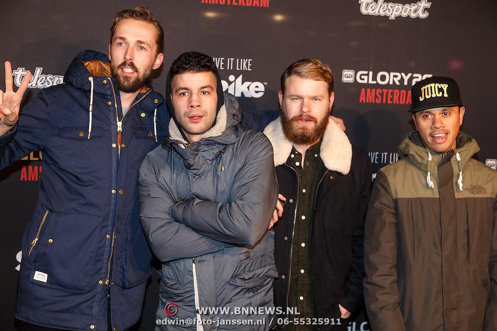 NLD/Amsterdam/20151204 - Freefightgala Glory26, Twan van Steenhoven, Onkel Omar, James Worthy en Jiggy Dje