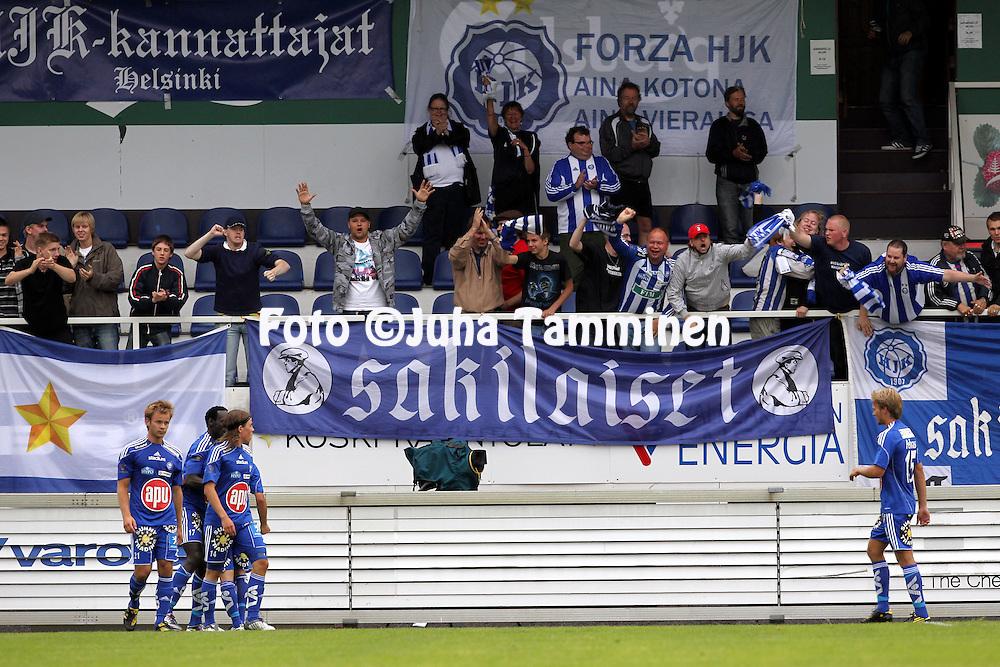 24.07.2010, Tehtaankentt?, Valkeakoski..Veikkausliiga 2010, FC Haka - FC HJK Helsinki..HJK-fanit juhlivat..©Juha Tamminen.