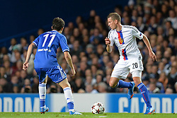 18.09.2013, Stamford Bridge, London, ENG, UEFA Champions League, FC Chelsea vs FC Basel, Gruppe E, im Bild Chelsea's Oscar  and Basel's Fabian Frei during UEFA Champions League group E match between FC Chelsea and FC Basel at the Stamford Bridge, London, United Kingdom on 2013/09/18. EXPA Pictures © 2013, PhotoCredit: EXPA/ Mitchell Gunn <br /> <br /> ***** ATTENTION - OUT OF GBR *****