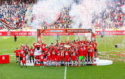 26.05.2019, Red Bull Arena, Salzburg, AUT, 1. FBL, FC Red Bull Salzburg Meisterfeier, im Bild die Spieler und das Team des FC Red Bull Salzburg feiern mit dem Meisterteller // during the Austrian Football Bundesliga Championsship Celebration at the Red Bull Arena in Salzburg, Austria on 2019/05/26. EXPA Pictures © 2019, PhotoCredit: EXPA/ Stefanie Oberhauser