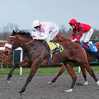 Thane Of Cawdor and Jim Crowley winning the 5.45 race
