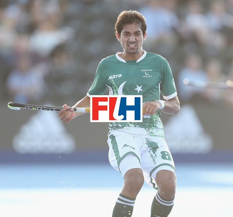 LONDON, ENGLAND - JUNE 16:  Muhammad Irfan Jr. of Pakistan during the Hero Hockey World League semi final match between Pakistan and Canada at Lee Valley Hockey and Tennis Centre on June 16, 2017 in London, England.  (Photo by Alex Morton/Getty Images)