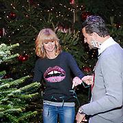 NLD/Hilversum/20121207 - Skyradio Christmas Tree, Fred van Leer en Daphne Deckers