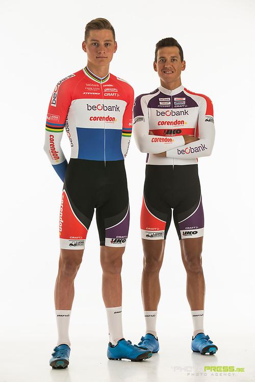 BELGIUM / BELGIQUE / BELGIE / SINT-KATELIJNE-WAVER / CX / CYCLOCROSS / VELDRIJDEN / CYCLO-CROSS / BEOBANK - CORENDON CYCLING TEAM / 2017-2018 / (L-R) 2017 NATIONAL CHAMPION ELITE MEN OF THE NETHERLANDS / NEDERLANDS KAMPIOEN MANNEN ELITE 2017 / MATHIEU VAN DER POEL (NED) / TOM MEEUSEN (BEL) /