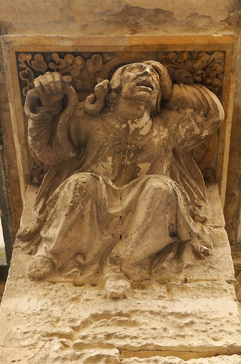 France, Languedoc Roussillon, Hérault, Montpellier, centre historique, Ecusson, place Ste Anne, église Ste Anne, atlante