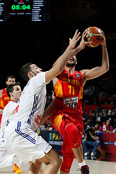 10.09.2014, Palacio de los deportes, Madrid, ESP, FIBA WM, Frankreich vs Spanien, Viertelfinale, im Bild Spain´s Ricky Rubio (R) and France´s Lauvergne // during FIBA Basketball World Cup Spain 2014 Quarter-Final match between France and Spain at the Palacio de los deportes in Madrid, Spain on 2014/09/10. EXPA Pictures © 2014, PhotoCredit: EXPA/ Alterphotos/ Victor Blanco<br /> <br /> *****ATTENTION - OUT of ESP, SUI*****