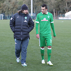 09.01.2015, Hotel Regnun Carya, Belek, TUR, FS Vorbereitung, Fussball Testspiel, SV Werder Bremen vs FC Energie Cottbus, im Bild Co-Trainer Torsten Frings (SV Werder Bremen) im Gespraech mit Winterneuzugang Levin Oeztunali (SV Werder Bremen #11) nach der Partie // during a international football frindly match between SV Werder Bremen vs FC Energie Cottbus at the Hotel Regnun Carya in Belek, Turkey on 2015/01/09. EXPA Pictures © 2015, PhotoCredit: EXPA/ Eibner-Pressefoto/ Schueler<br /> <br /> *****ATTENTION - OUT of GER*****