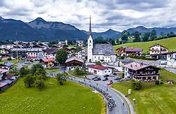 12.07.2019, Kitzbühel, AUT, Ö-Tour, Österreich Radrundfahrt, 6. Etappe, von Kitzbühel nach Kitzbüheler Horn (116,7 km), im Bild Feature, Landschaft, Tirol, das Peloton bei Schwendt // during 6th stage from Kitzbühel to Kitzbüheler Horn (116,7 km) of the 2019 Tour of Austria. Kitzbühel, Austria on 2019/07/12. EXPA Pictures © 2019, PhotoCredit: EXPA/ JFK