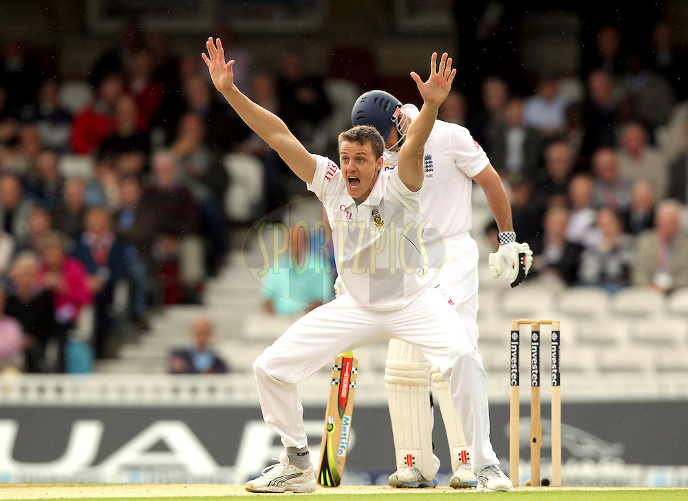 © Andrew Fosker / Seconds Left Images 2012 - South Africa's Morne Morkel appeals as he takes the wicket  of England's Andrew Strauss (Captain - R) LBW for 0 on the 4th ball of the day England v South Africa - 1st Investec Test Match -  Day 1 - The Oval  - London - 19/07/2012