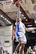 DESCRIZIONE : Eurocup 2014/15 Last32 Dinamo Banco di Sardegna Sassari -  Banvit Bandirma<br /> GIOCATORE : David Logan<br /> CATEGORIA : Tiro Penetrazione Sottomano<br /> SQUADRA : Dinamo Banco di Sardegna Sassari<br /> EVENTO : Eurocup 2014/2015<br /> GARA : Dinamo Banco di Sardegna Sassari - Banvit Bandirma<br /> DATA : 11/02/2015<br /> SPORT : Pallacanestro <br /> AUTORE : Agenzia Ciamillo-Castoria / Claudio Atzori<br /> Galleria : Eurocup 2014/2015<br /> Fotonotizia : Eurocup 2014/15 Last32 Dinamo Banco di Sardegna Sassari -  Banvit Bandirma<br /> Predefinita :