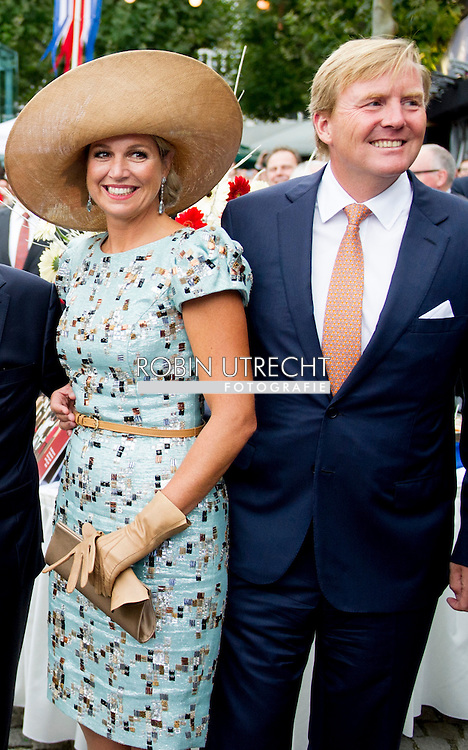 30-8-2014 - MAASTRICHT - Queen Maxima ,King Willem Alexander , King Philippe and Queen Mathilde of Belgium , Grand Duke Henri and Grand Duchess Maria Teresa of Luxembourg and Federal President of Germany Joachim Gauck and his partner, Daniela Schadt at the Preuvenemint – Maastricht's annual culinary festival which this year is marking the bicentenary of the Kingdom. COPYRIGHT ROBIN UTRECHT