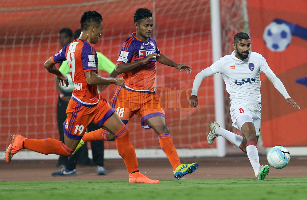 Kean Francis Lewis of Delhi Dynamos FC in action<br />  during match 42 of the Indian Super League (ISL) season 3 between FC Pune City vs Delhi Dynamos FC held at the Balewadi Stadium in Pune, India on the 18th November 2016.<br /> <br /> Photo by Faheem Hussain / ISL / SPORTZPICS