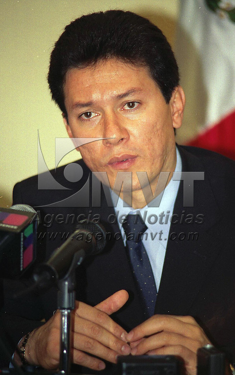 Toluca, M&eacute;x.- .En conferencia de prensa,  Alfredo Mart&iacute;nez Gonz&aacute;lez, Subsecretario de Gobierno, dijo que el costo de los internos por d&iacute;a es de $134.00 aproximadamente.  Agencia MVT / H. VAZQUEZ E. (FILM)<br /> <br /> NO ARCHIVAR - NO ARCHIVE