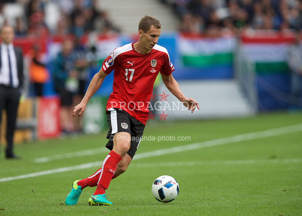 BORDEAUX, FRANCE - Monday, June 14, 2016: Austria's  Florian Klein in action against Hungary during the UEFA Euro 2016 Championship match at Stade de Bordeaux. (Pic by Paul Greenwood/Propaganda)