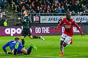 ALKMAAR - 20-02-2016, AZ - FC Groningen, AFAS Stadion, 4-1, AZ speler Ridgeciano Haps heeft de 3-0 gescoord, FC Groningen doelman Segio Padt