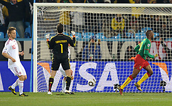 19.06.2010, Loftus Versfeld Stadium, Pretoria, RSA, FIFA WM 2010, Cameroon (CMR) vs Denmark (DEN), im Bild Il gol dell'1-0 di Samuel Etoo (Camerun).Samuel Etoo's 1-0 leading goal scored for Camerun.. EXPA Pictures © 2010, PhotoCredit: EXPA/ InsideFoto/ Giorgio Perottino / SPORTIDA PHOTO AGENCY