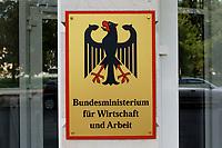 """08 SEP 2003, BERLIN/GERMANY:<br /> Schild """"Bundesministerium fuer Wirtschaft und Arbeit"""" mit Bundesadler<br /> IMAGE: 20030908-01-080<br /> KEYWORDS: Schild, sign, Adler, Ministerium"""