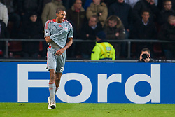 EINDHOVEN, THE NETHERLANDS - Tuesday, December 9, 2008: Liverpool's David Ngog celebrates scoring the third goal against PSV Eindhoven during the final UEFA Champions League Group D match at the Philips Stadium. (Photo by David Rawcliffe/Propaganda)
