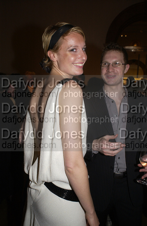 Sarah-Jane Godman, Tamara de Lempicka private view, Royal academy. London. 11 May 2004. SUPPLIED FOR ONE-TIME USE ONLY> DO NOT ARCHIVE. © Copyright Photograph by Dafydd Jones 66 Stockwell Park Rd. London SW9 0DA Tel 020 7733 0108 www.dafjones.com