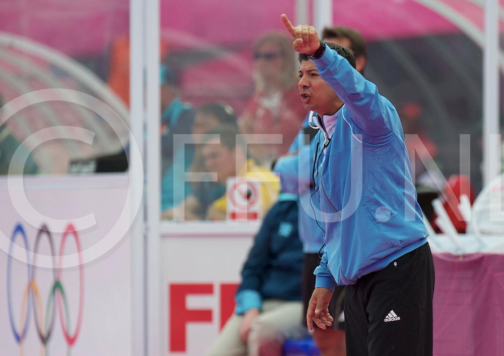 LONDON - Olympische Spelen 2012<br /> men match<br /> Argentna  v South Africa<br /> foto:  Argentina coach Pablo Lombi<br /> FFU PRESS AGENCY COPYRIGHT FRANK UIJLENBROEK