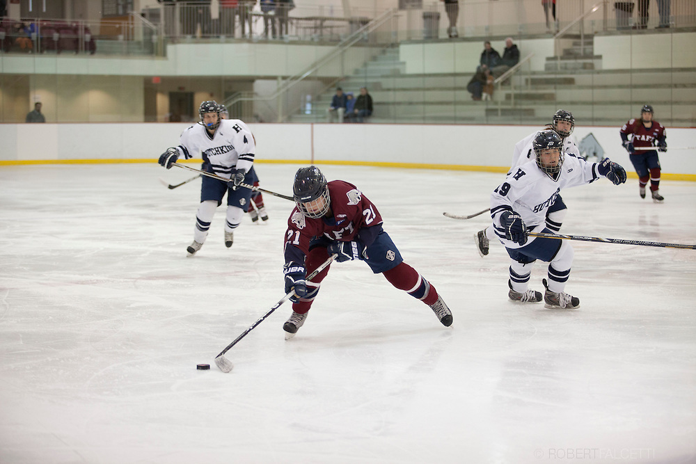 Taft School-February 8, 2014- Girls varsity hockey vs Hotchkiss. (Photo by Robert Falcetti)