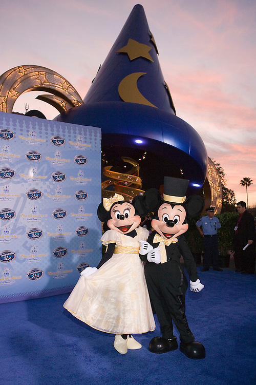 LAKE BUENA VISTA, FL - FEBRUARY 12: Mickey and Minnie walk on the red carpet for the grand opening of the American Idol Experience at Disney's Hollywood Studios In Walt Disney World on February 12, 2009 in Lake Buena Vista, Florida. (Photo by Matt Stroshane/Getty Images)