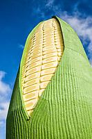 Monumento Espiga de Milho no Parque de Exposições Rovilho Bortoluzzi. Xanxerê, Santa Catarina, Brasil. / <br /> Ear of Corn Monument at Rovilho Bortoluzzi Exposition Park. Xanxerê, Santa Catarina, Brazil.